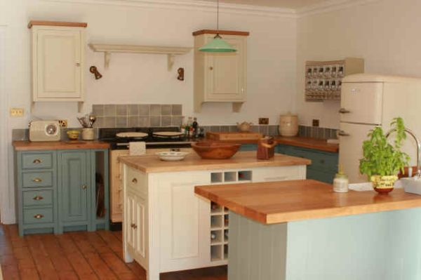 Wood Works Kitchens